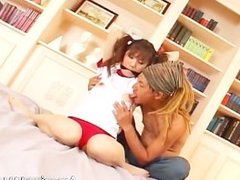 Sexy asian schoolgirl gets the vibrator part1