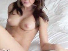 ftv model on bed