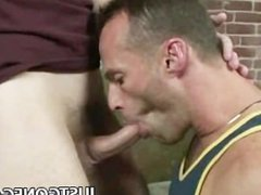 Muscle Dilf Luke Cross Bareback Fucking A Pierced Cock