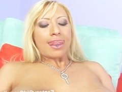 Candy Manson getting her pussy licked by Carmella Bing