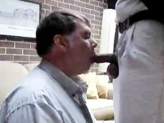 Amateur A daddy gets sucked and swallowed before going at work