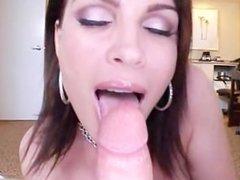 Pornstar with big tits Diamond Foxxx does handjob