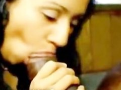 Bombay North Indian Desi Girl sucks a fat 7 Inch Tamil Nadu Black Adder
