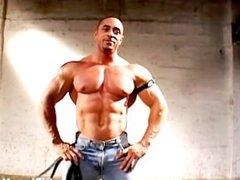 Bodybuilder Muscle Solo 94