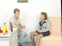 Brunette mom gets fucked during interview