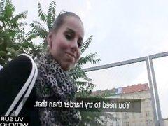 Touriste sexuel choppe une passante contre quelques euros l