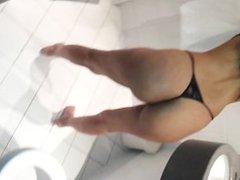 Sexy paki girl shaking ass