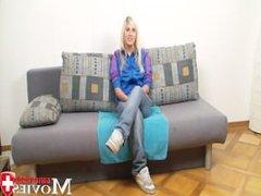 Porn Interview wirth blonde Teen-Model Jill 18y