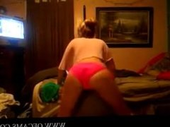Blonde teen ass shaking pink time mindy
