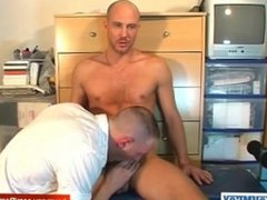 A straight guy getting sucked by a gay guy !