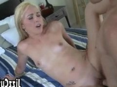 Girl wants to cock to explode in pussy