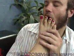 Guy fucks feet of tranny and anal fucked