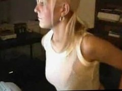 Webcam rubia firstime leche clothes-off