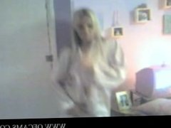 Girl strips and dances on cam hairypubl