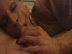 je la baise dans la bouche et je joui sur milan