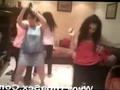 Sexy babes from Tunis dance very sexy