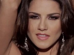 Sunny Leone centerfold babe loves to rub her pussy