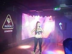 Venezolana Jennifer Aboul Animando Rumba