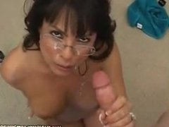 brunette gives AWESOME blowjob