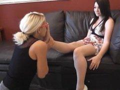 teen girls feet