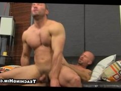 A sexy pair of amateur straight buff hunks are having anal sex
