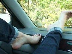 Nicole Foot Job no Carro