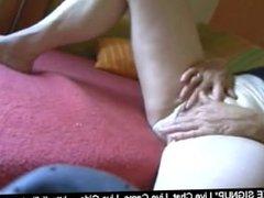 Oma ist wieder geil  Grannies freesexcam amateur sex videos
