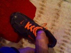 Jerking off in my sneakers