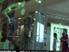 Chica hermosa probandose zapatos free sexchat Voyeur webcam amateur webcam