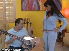 Lisa Ann-guitar lesson