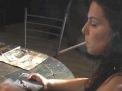 Lisa dangles cig