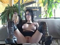 Chat Free Kinky MILF In Leather Outfit on Cam - www.HOTCams.pw