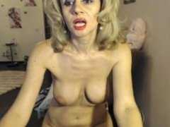 super hot 40s milf smokes and plays