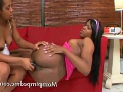 Bubble ass ebony babe toy in her pussy