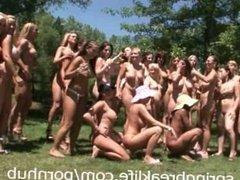 23 Naked Chicks