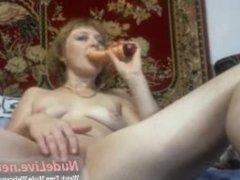 Super Gorgeous Russian lady Masturbates on Webcam