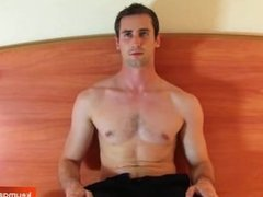 Guillaume, a sexy french straight guy get wanked his huge cock by a guy !