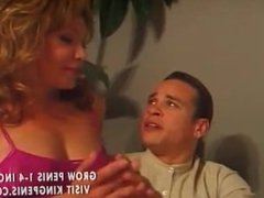 Tranny shows the boys how to do it