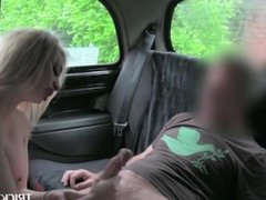 Smoking hot blonde proving BJ talents in the sex taxi