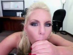 Booty amateur blonde gets fucked