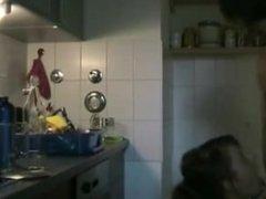 Julia in Küche gefickt