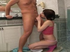 18 yearsold wife cum in mouth