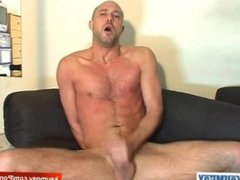 Full video: David a real straight guy serviced by a guy !
