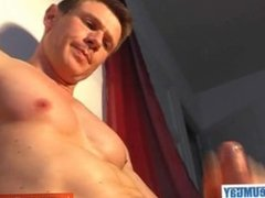 Full video: a so cute french gym guy get wanked by a guy in spite of him !