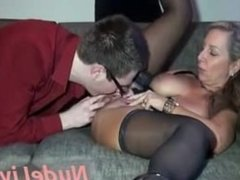 Very Hot 19yo Blonde MILF offer sex advice on Webcam