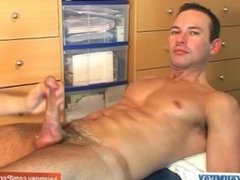me, get wanked my huge cock by a guy until jerking-off! Hot !