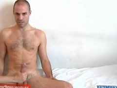 Hamid, a sport guy with a huge cock get wanked by a guy in spite of him !