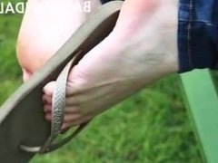 feet flip flops