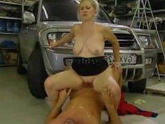 Milf gets fucked in parking garage