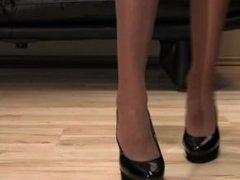 Mistress Anique black high heels shoe steps